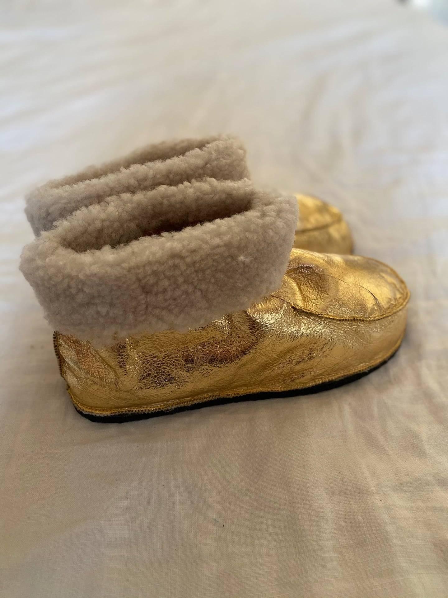 chaussons dorées